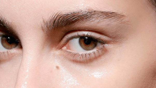 4 Little Known Gadgets to Effortlessly Clear up Your Skin